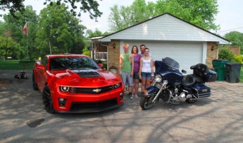 Nuevos amigos en una casa de un pueblo de Indiana
