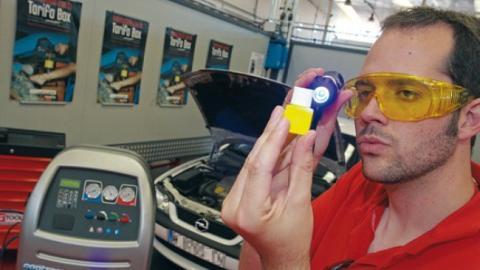 Reparar las fugas en el aire acondicionado del coche
