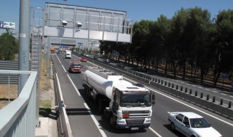 Radares fijos camuflados tras los carteles de tráfico
