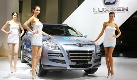 LUXGEN7 SUV EV+ salon moscu 2012