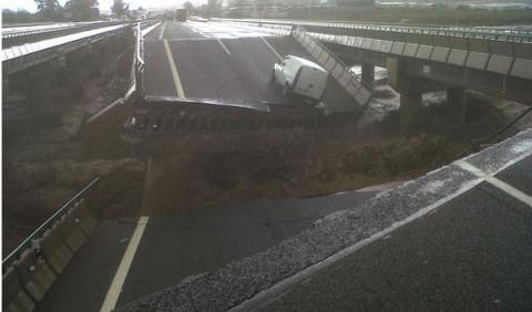 puente a7 derrumbado