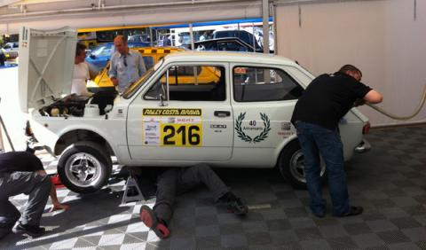 Seat 127 mecánicos Rally Costa Brava