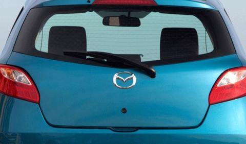 Mazda tras.