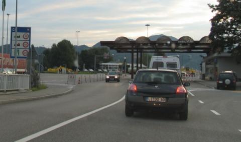 Madrid aparca la iniciativa de Aguirre de cobrar más peajes