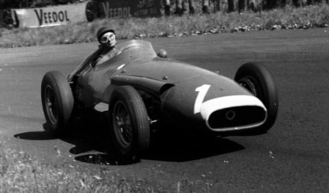 Fanio en el Maserati 250 F en Nürburgring