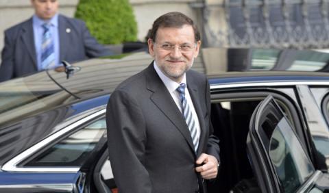 Mariano Rajoy baja de su coche oficial