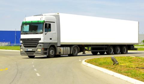 Los increíbles efectos de un reventón en un camión