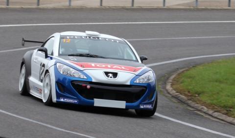 Peugeot RCZ Racing Cup curva