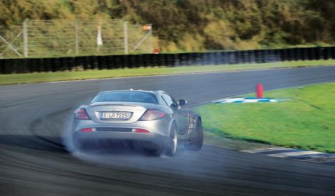 Mercedes SLR drift