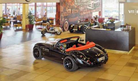 Hotel V8 Alemania recepción