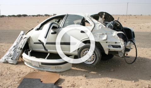 Unos saudíes sobreviven milagrosamente a un accidente