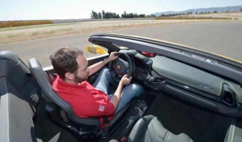 Al volante del Ferrari 458 Spider