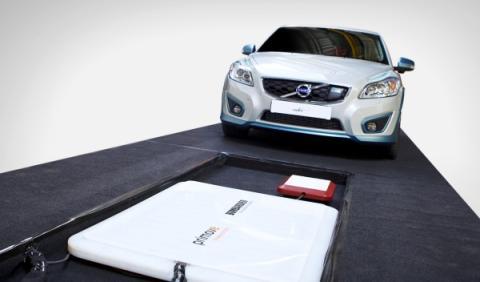 Volvo trabaja en la carga inductiva para coches eléctricos