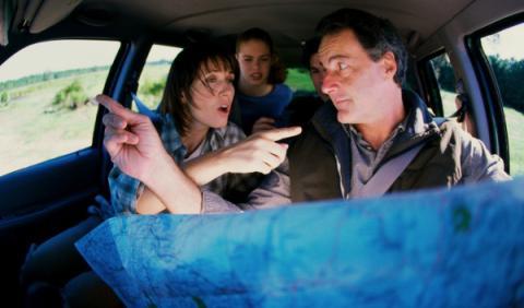 Dicutiendo en el coche