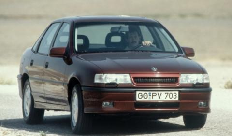 Opel Vectra 25 años 3