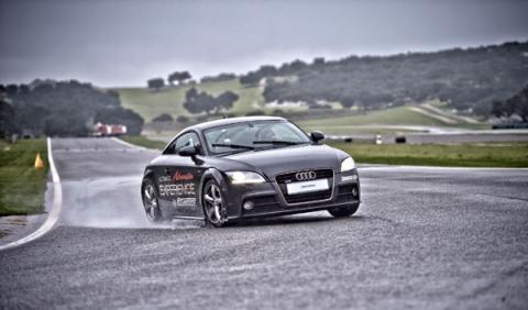 Audi aquaplaning