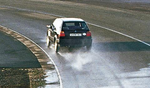 Conducción sobre mojado