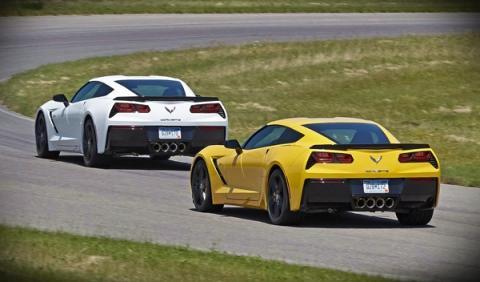 Diez Corvette C7 aparcados en NY