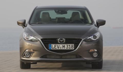 Mazda3 Sportsedan clanadra