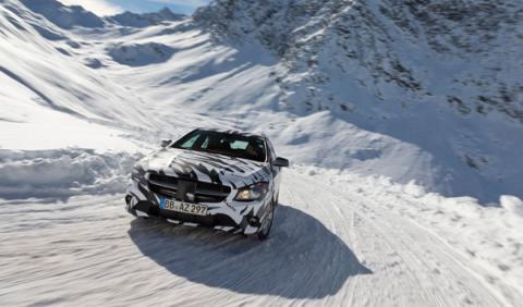 El Mercedes CLA camuflado con vinilos de cebra