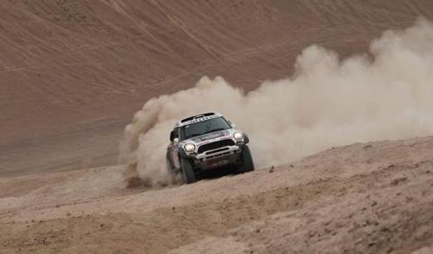 Rally Dakar 2014 etapa 12: Peterhansel 'desobedece' y gana
