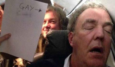 Clarkson pide perdón por ofender a los gays en Twitter