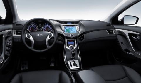 Hyundai desvela el habitáculo del Elantra