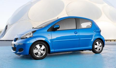 Nuevo Toyota Aygo: pequeños cambios para la gama 2011