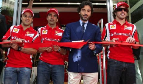 Inauguración 'Ferrari Store' Barcelona cinta