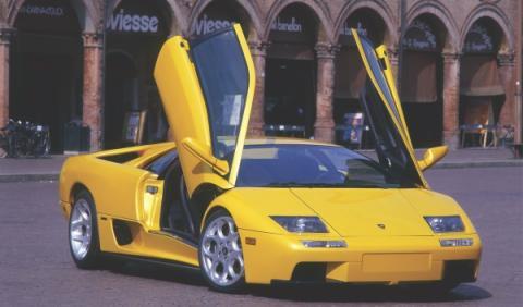 El último Lamborghini Diablo 6.0 VT sale a subasta