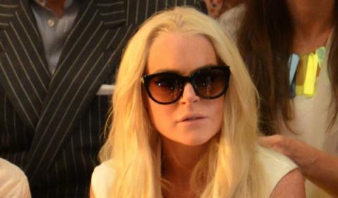 Lindsay Lohan estrella un Porsche 911 de alquiler