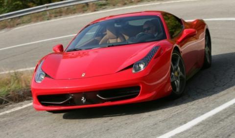 Impresionante vídeo: un Ferrari 458 Italia, a 341 km/h