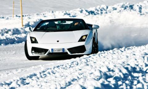 Vídeo: esquiando con un Lamborghini Gallardo
