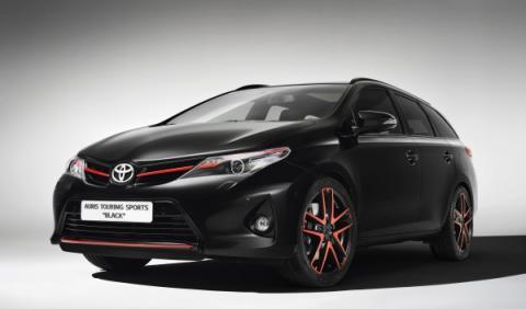 Toyota-Auris-Sports-Touring-Black-frontal