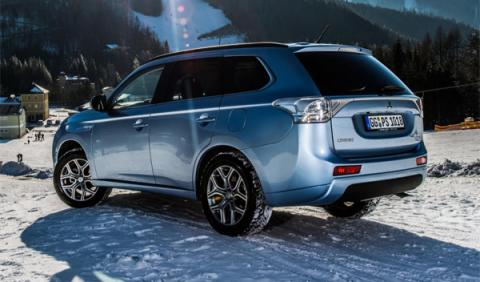 Se paraliza la producción del Mitsubishi Outlander PHEV