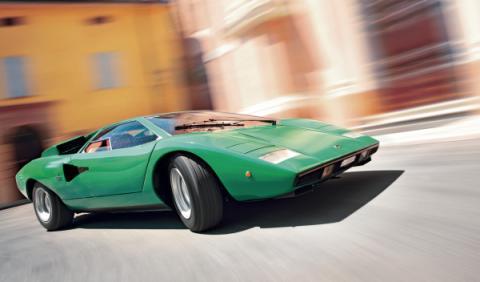 Lamborghini Countach dinamica