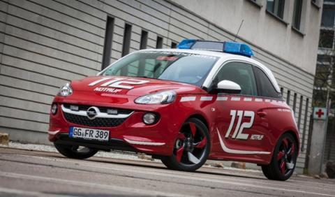 Opel Adam para el Cuerpo de Bomberos 1