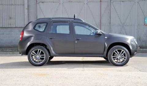 Dacia Duster Black Edition lateral