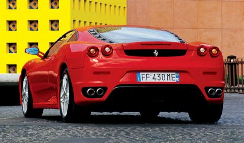 Un Ferrari F430 arde espontáneamente en Florida