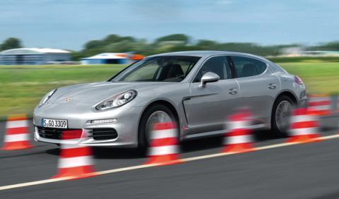 Porsche Panamera Híbrido barrido