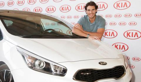 Rafa Nadal recibe su nuevo Kia pro_cee'd GT