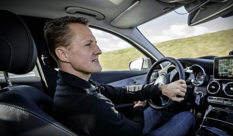 Michael Schumacher prueba el nuevo Mercedes Clase C 2014 interior