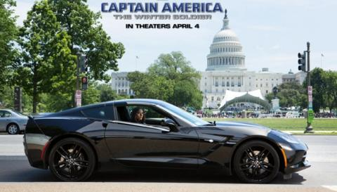 Scarlett Johansson en el nuevo Chevrolet Corvette Stingray, como la Viuda Negra