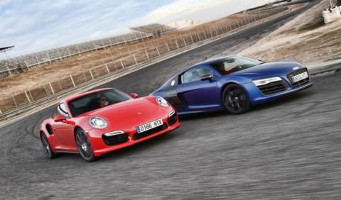 Porsche 911 Turbo vs Audi R8 V10