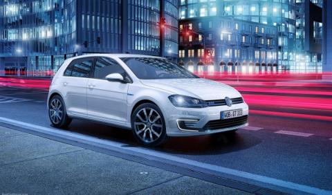 """El Volkswagen golf GTE tiene llantas de 16 pulgadas o de 17 o 18"""" en opción"""