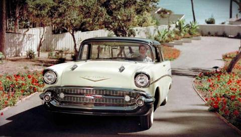 Recupera su Chevrolet Bel air 30 años después