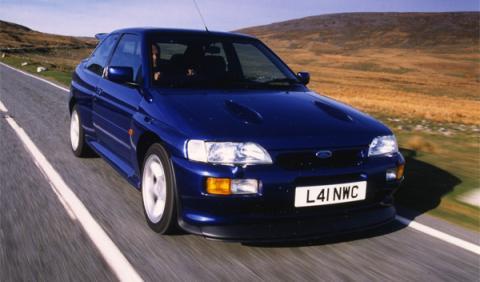 A la venta un impecable Ford Escort RS Cosworth