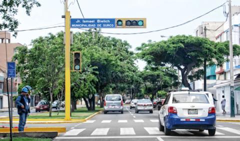 semáforo conducir perú