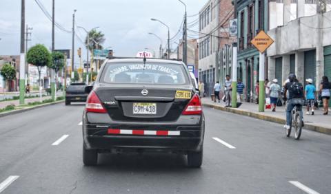 taxi conducir perú