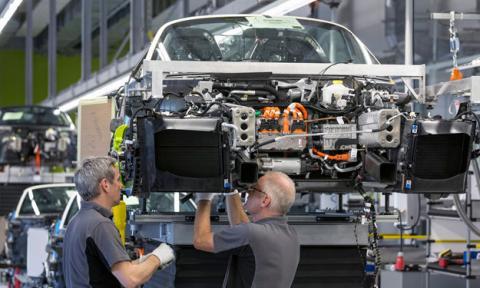 Porsche le da un bonus de 8.200 euros a sus trabajadores